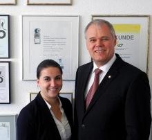 Katja Wieczorek, Senator h.c. Gerhard R. Daiger (Foto: Dr. Walser Dental)